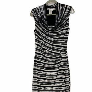 Max Studio black and white rippled dress - size M